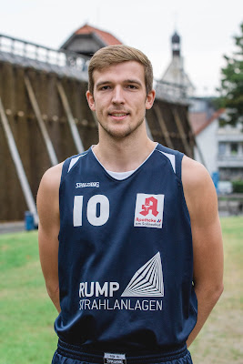 #10 Lennart Schinke