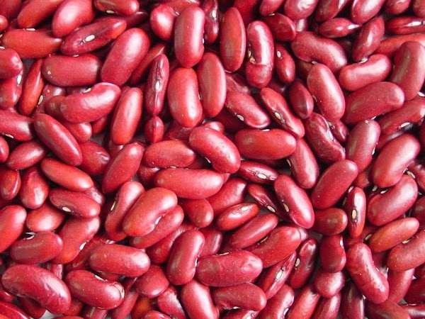 Health Benefits  Kidney beans are a very good source of cholesterol-lowering fiber, as are most...