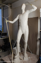 Photo: The general forms that make up the body are sculpted in plaster but are kept slightly small in order to leave space for the clay surface. The plaster is then varnished to prevent it from drawing too much moisture from the clay on top.