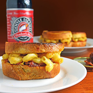 Grilled Mac n' Beer Cheese Sliders with Bacon, Beer, & Tomato Jam.