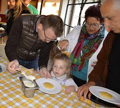 Photo: Dal mais alla Polenta - assaggi con burro e formaggio salato