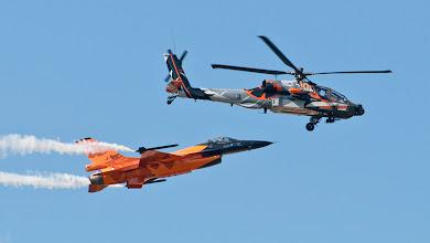 Photo: F-16 & AH-64 (Holandia)