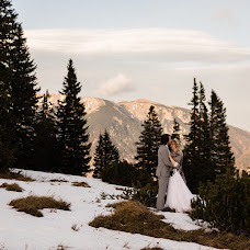 Wedding photographer Renáta Török-Bognár (tbrenata). Photo of 06.11.2017