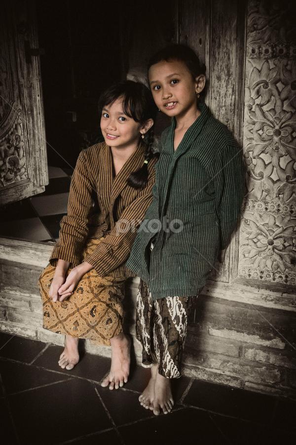 Sisters by Lukis Poto - Babies & Children Child Portraits ( indonesian, girl, batik, children, traditional, java, smile, etnic, culture )