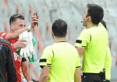 🎥 Süper Lig : Un joueur expulsé pour avoir voulu montrer une vidéo sur un téléphone portable à l'arbitre !
