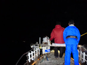 Photo: 「ミヨシ」で運転してます! 今回、お世話になる船、「わくわく丸」 という船です! ・・・ハイテンションになる船名です。