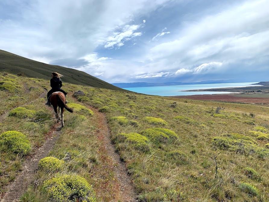 Cerro Frias C/Almuerzo Horseback riding outside El Calafate, AR