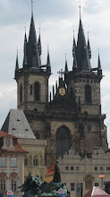 Photo: The Tyn Church with the Jan Hus memorial in the foreground