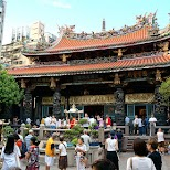 daily rituals at longshan temple in Taipei in Taipei, T'ai-pei county, Taiwan