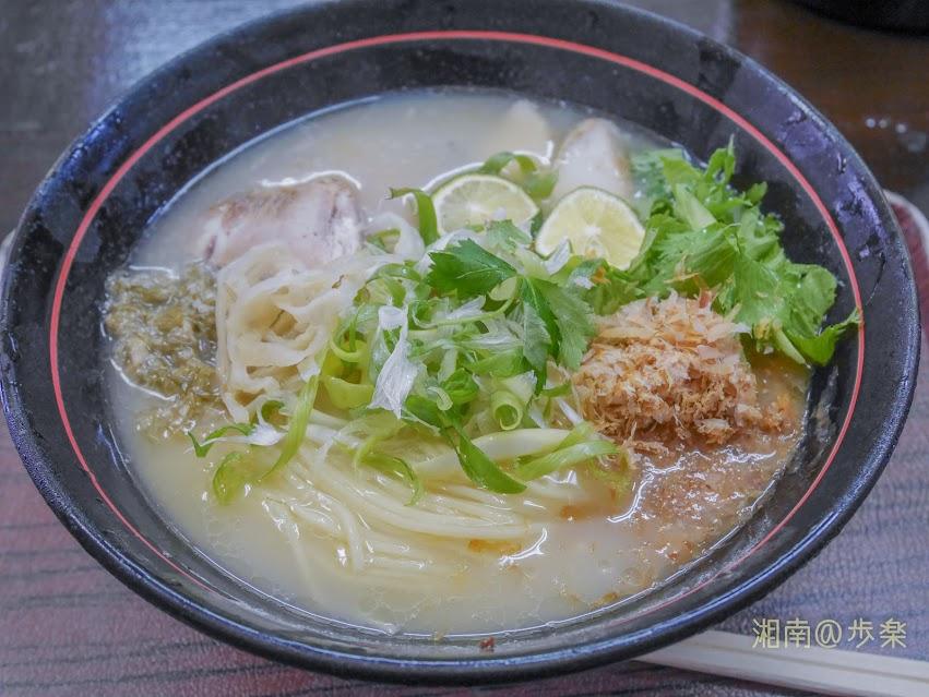 創作麺処 スタ☆アト 冷やし 鯛と鯛煮干し@900:スープは乳濁していてあっさり出汁