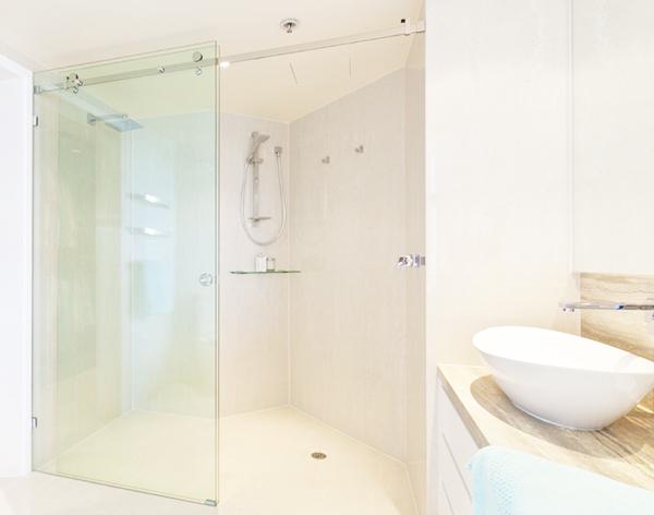 phòng tắm lắp kính