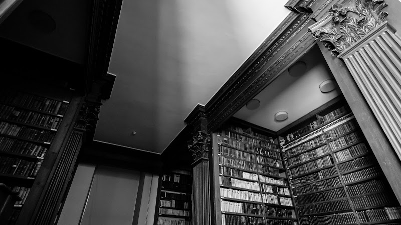 Photo: Books in the Old Library at Trinity