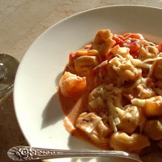 Cheese Tortellini With Shrimp In Tomato Cream Sauce