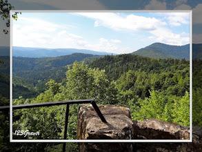 Photo: Panorama vers le Rocher de Mützig du sommet du château supérieur (Haut-Nideck)