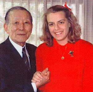 RESOURCE_1986_Dr. Suzuki and Dr. Kukkamäki in Japan.jpg