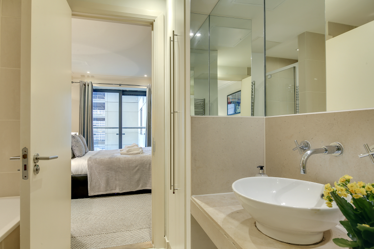 Bathroom at South Quay Serviced Apartments, Canary Wharf
