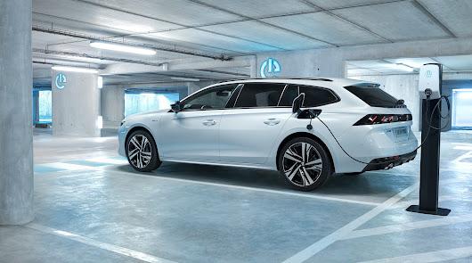Peugeot encabeza el mercado de vehículos electrificados