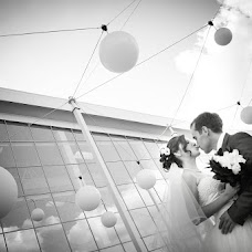 Wedding photographer Oksana Syuzganova (OSae). Photo of 06.03.2013