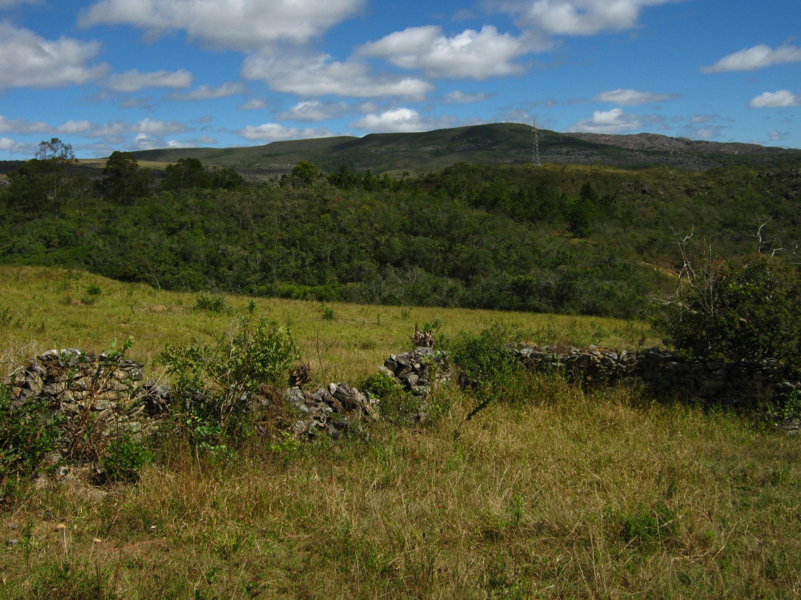 Photo: Ruínas das cercas da antiga Fazenda Duas Pontes