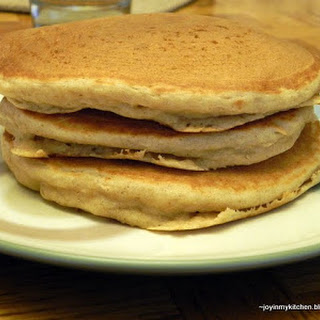 Fluffy Apple Cinnamon Pancakes