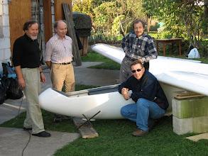 Photo: .. i po próbach statycznych, od lewej: Ryszard Surmiak, inż. Jerzy Cisowski, Zenon Pietruszka i Dariusz Lewek wykonawca wszelkiej dokumentacji do ULC