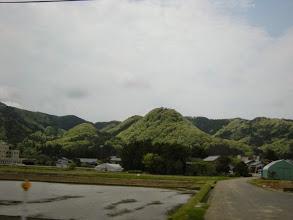 Photo: 新潟。車窓からでうまく撮れないけど、とにかく日本どこも新緑の季節で山々の色が美しかった!