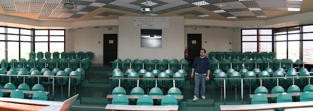 Photo: La salle vide.