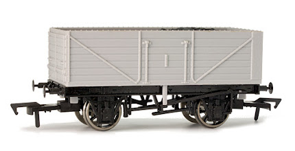 Photo: A002 Unpainted 7 Plank Open Wagon
