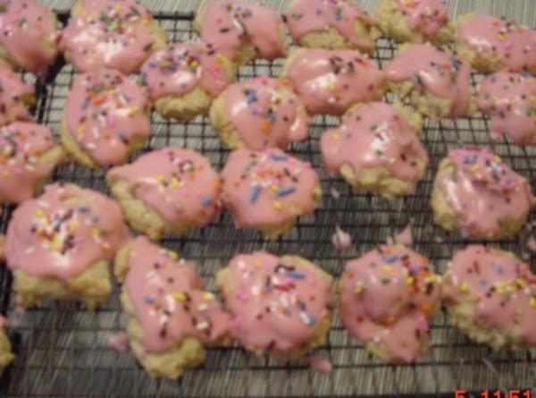Grandma Lee's Sour Cream Cookies Recipe