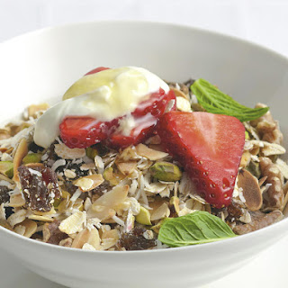 Coconut Muesli with Strawberries