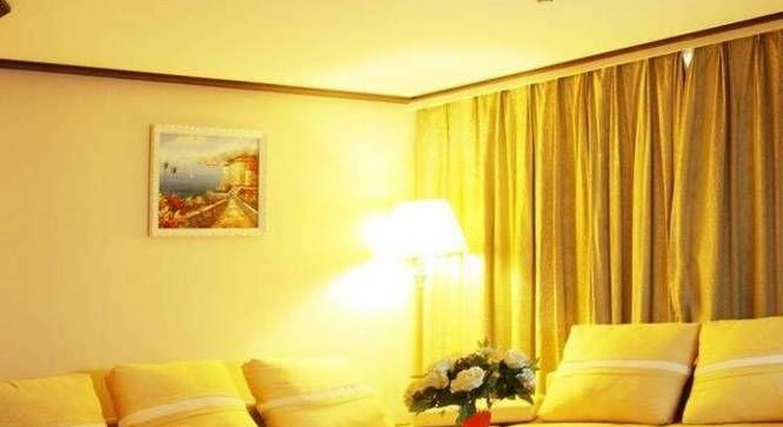 Weihai Qiming Holiday Hotel