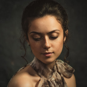 Valery by Dmitry Baev - People Portraits of Women ( studio, flashlight, beautiful, freckles, portrait )