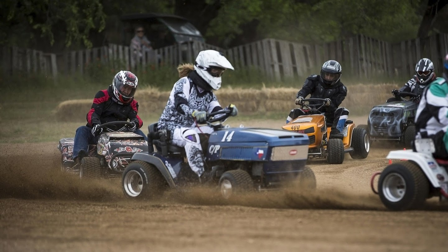 Watch Lawn Mower Racing live
