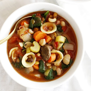Hearty 13-Bean Slow Cooker Minestrone Recipe