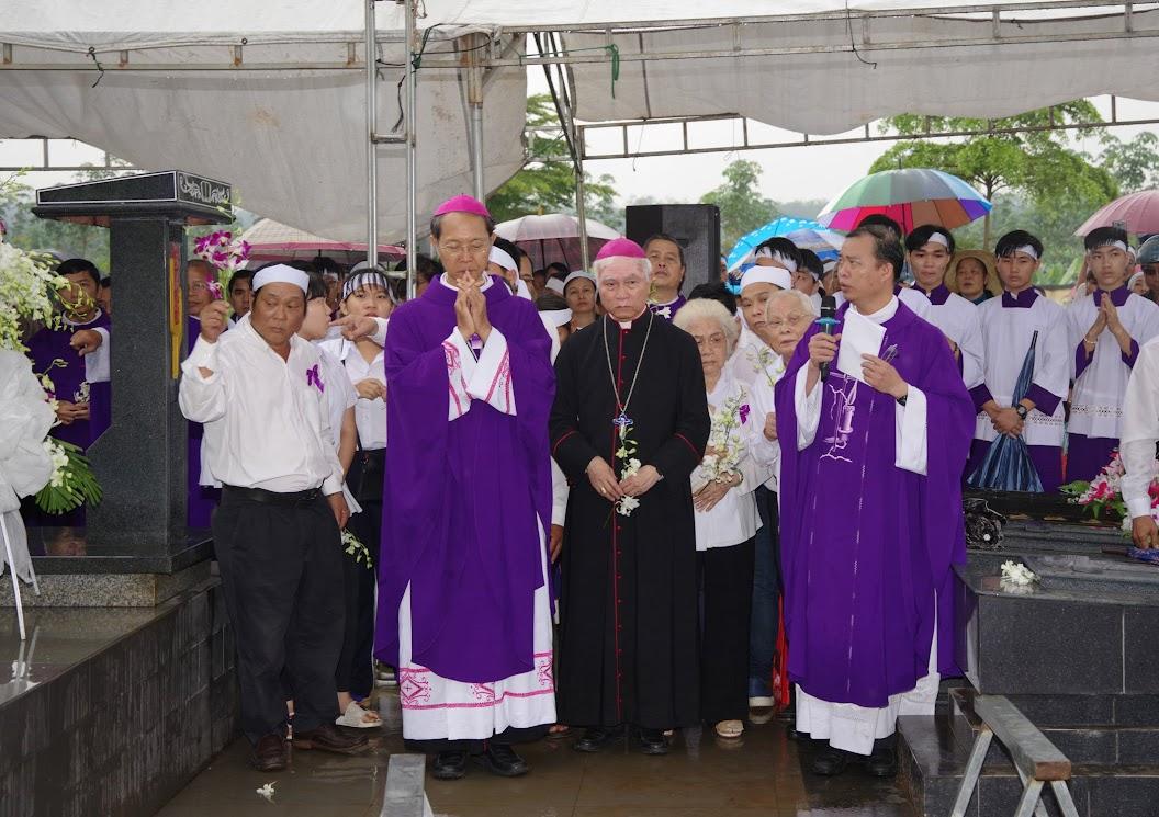 Thánh lễ an táng Cha Giuse Trần Ngọc Tâm - Chánh xứ Xuân Đức - Ảnh minh hoạ 55