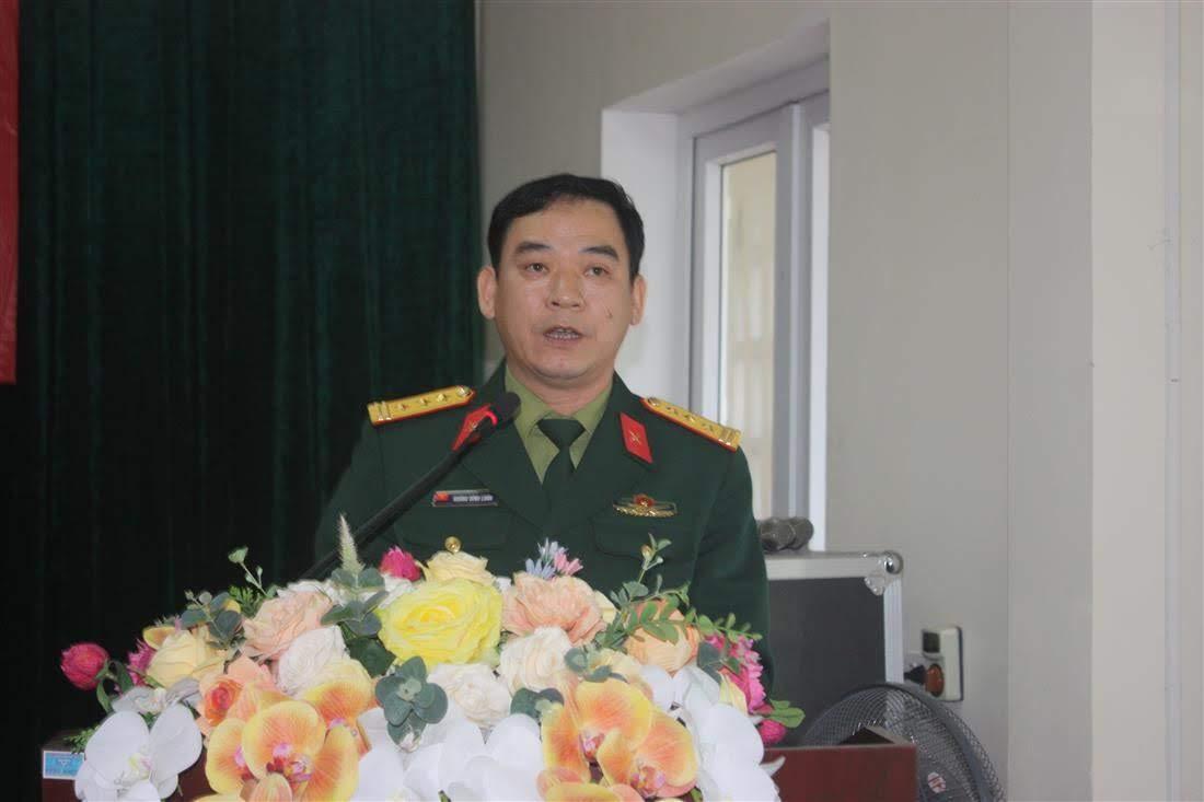 Thượng tá Hoàng Đình Luân, Chỉ huy trưởng, Ban Chỉ huy Quân sự TP báo cáo kết quả thực hiện nhiệm vụ xây dựng cơ sở vững mạnh toàn diện