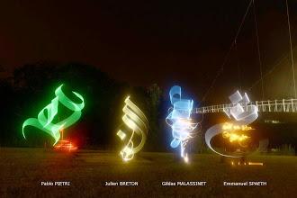 Photo: collectig lightgraff Julien Breton, Glidas Malassinet, Emmanuel Spaeth, Pablo pietri