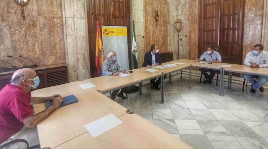 El subdelegado y el alcalde analizan las ayudas por el cierre de la central