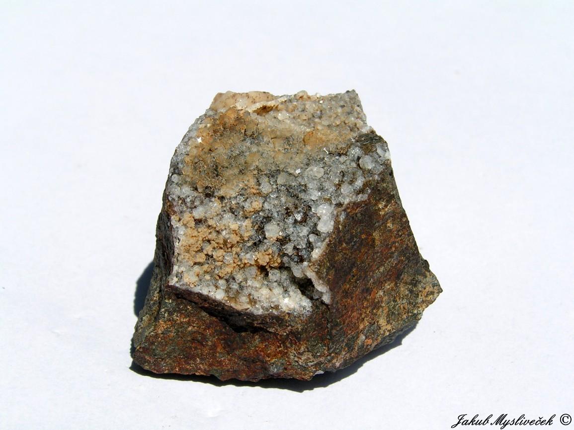 Photo: Drobný vzoreček s xx phillipsitu (Rytina soutěska). Velikost vzorku 41 mm. Nalezeno dne 1.7. 2016.