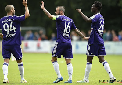 Anderlecht prend une option, la défense en question