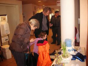 Photo: Familie Dettwiler. Grosseltern, Vater Simon und Kinder
