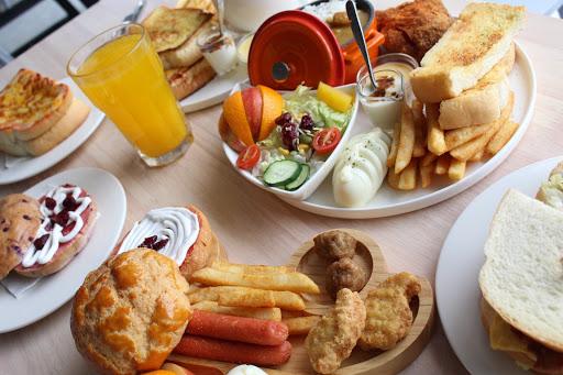 CP值超高早午餐,環境明亮舒適, 出餐速度快,餐點的選擇性多, 服務態度好👍最重要吃很飽