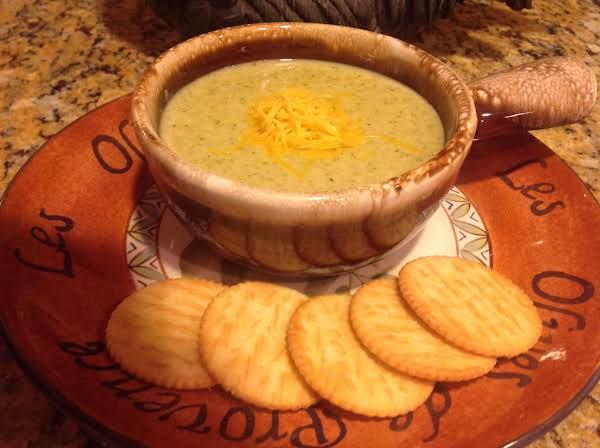 Jeanne's Cheesy Cream Of Broccoli Soup