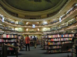 Photo: ブエノスアイレス 元劇場の本屋