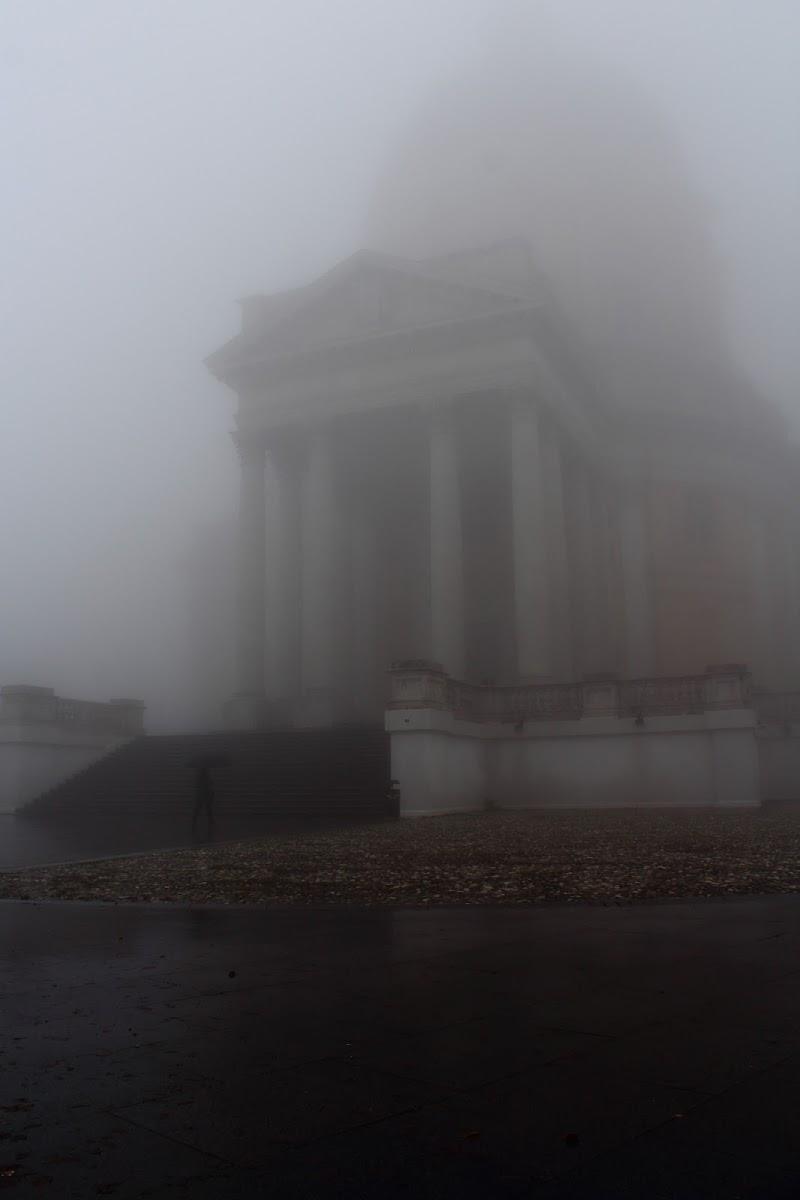 Nebbia a Superga di Enzo L.