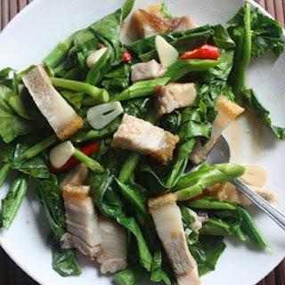 Stir-Fried Chinese Broccoli with Crispy Pork Belly (Khana Mu Krop).