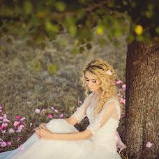 Wedding photographer Vladislav Levchenko (Vladuliss). Photo of 16.12.2014