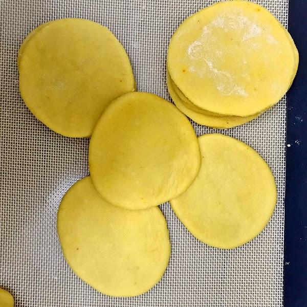 Cách làm vỏ bánh gối vàng giòn