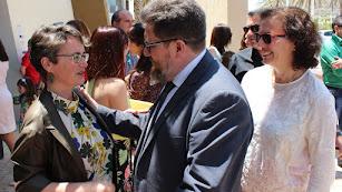 La presidenta del Coitaal, Teresa García, el consejero Sánchez Haro y la delegada de Gobierno, Gracia Fernández.