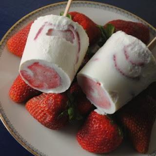 Paletas de Fresas con Crema.